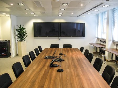 Oil & Gas UK glass meeting room