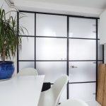 Lesalon glass wall