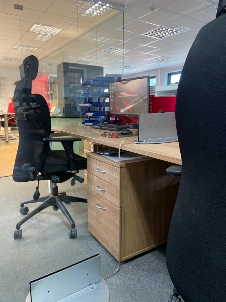 social distancing on office